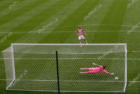 Stoke City's Stephen Fletcher scores from the penalty spot