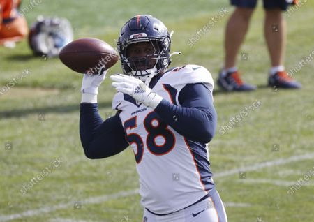 Denver Broncos linebacker Von Miller takes part in drills during an NFL football practice, in Englewood, Colo