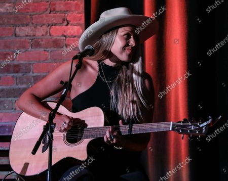 Stock Image of Singer & songwriter Colbie Caillat performs during at The Listening Room Cafe on August 28, 2020 in Nashville, Tennessee.
