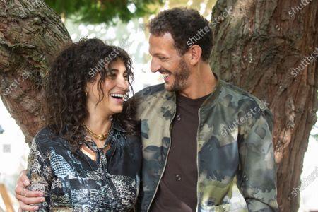 Parents D'Eleve - Camelia Jordana, Vincent Dedienne