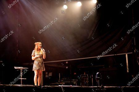 Lauren Pattison opens for Jason Manford at Virgin Money Unity Arena