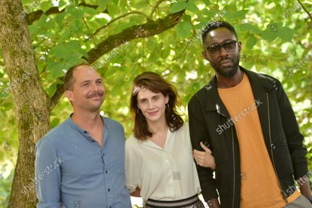 Stock Picture of Les Cobbayes - Emmanuel Poulain, Arnaud Thomas N'Gijol, Judith Chemla