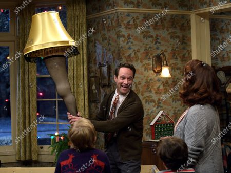 Chris Diamantopoulos as Old Man Parker and Maya Rudolph as Mother Parker