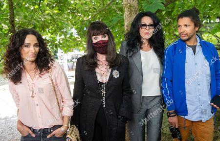 Stock Image of Soeurs - Yamina Benguigui, Isabelle Adjani, Rachida Brakni, Rachid Djaidani