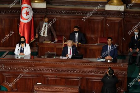 Samira Chaouachi (L), Rached Ghannouchi (C) and Tarek Fetiti (R) in the vote of confidence session.