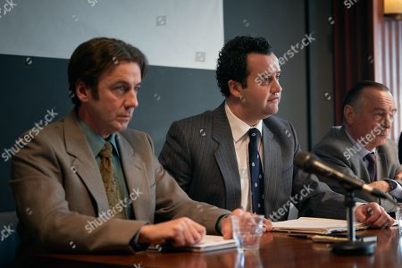 Jay Simpson aas Healy, Daniel Mays as Jay and Ron Cook as Chambers.