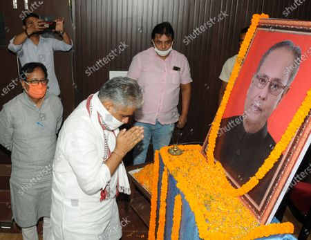 BJP leader Bhupender Yadav paying tribute to former President Pranab Mukherjee a day after his death, at BJP office  on September 1, 2020 in Patna, India.