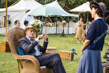 Behind the scenes - Charles Dance as Mr Webb