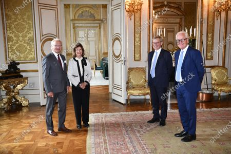 King Carl Gustaf and Queen Silvia at a meeting with the Nobel Foundation's chairman Carl-Henrik Heldin and executive director Lars Heikensten