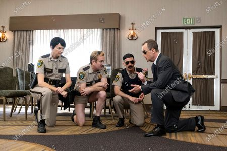 Kerri Kenney-Silver as Deputy Trudy Wiegel, Thomas Lennon as Lieutenant Jim Dangle and Robert Ben Garant as Deputy Travis Junior
