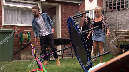 Coronation Street - Ep 10113 Friday 11th September 2020 Shona and Nina, as played by Mollie Gallagher, join David Platt, as played by Jack P Shepherd, Sarah Barlow, as played by Tina O'Brien, Sally and Lily for the barbecue. Suddenly there's an almighty crash and a huge crater appears in the middle of the garden. Everyone gazes into the hole, completely stunned.