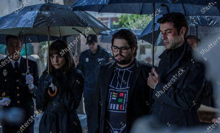 Veronica Echegui as Norma, Brays Efe as Jorge Elias and Javier Rey as David Valentin