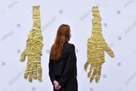 Georg Baselitz 'Darkness Goldness', (L) Die Hand von Wols 2019, (R) Die linke Hand von Rousseau 2019