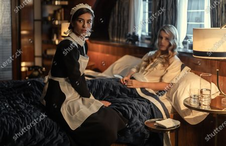 Noelia Castano as Maria and Alejandra Onieva as Carolina Villanueva