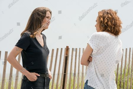 Stock Photo of Megan Boone as Elizabeth Keen and Fiona Dourif as Lillian Roth