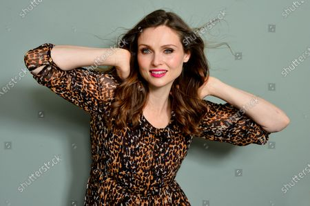 Sophie Ellis-Bextor British singer, songwriter, model. 5.9.2019Front woman for the audience who became a solo success, fusing dance beats with filmic orchestration and a strong visual style. wikipedia.orgBorn: April 10, 1979 (age 40), London, England, UKSpouse: Richard Jones (m. 2005-present)Children: Kit Jones, Ray Jones, Sonny Jones,Jesse Jones, Mickey JonesParents: Janet EllisActive from: 1997Genre: Club/Dance, Dance-Pop, Electronic, Pop, Pop/Rock