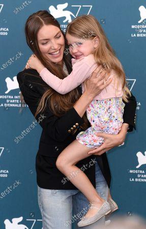 Cristina Chiriac with daughter Anna