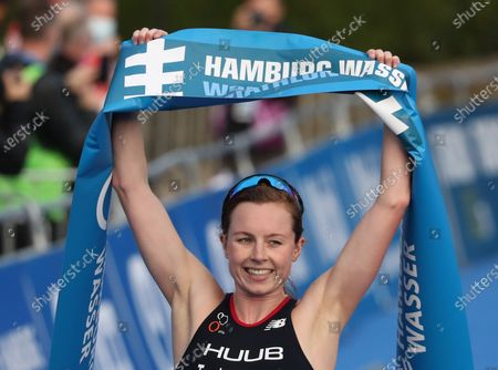 Georgia Taylor-Brown from Great Britain wins the Women's Elite race of the Hamburg Wasser World Triathlon event in Hamburg, northern Germany, 05 September 2020.