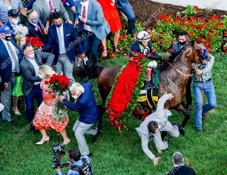 , 2020, Louisville, KY, USA: Kentucky Derby winner Authentic, #18, ridden by jockey John Velazquez, freaks out in the winnerâ€s circle, taking out training Bob Baffert in the process. Baffert was uninjured. The races are being run without fans due to the coronavirus pandemic that has gripped the world and nation for much of the year, with only essential personnel, media and ownership connections allowed to attend at Churchill Downs in Louisville, Kentucky. John Voorhees/Eclipse Sportswire/CSM