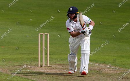 Ian Bell of Warwickshire batting.