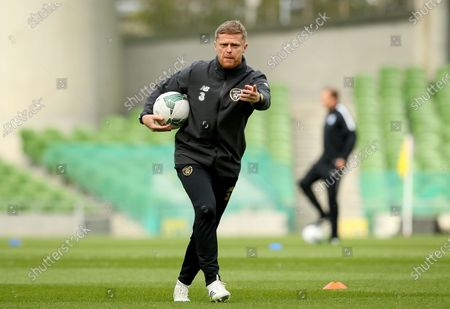 Republic of Ireland vs Finland. Ireland Assistant Coach Damien Duff during the warm-up