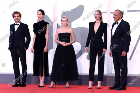 "Cast of ""The World To Come"" (L-R) Christopher Abbott, Katherine Waterston, Director Mona Fastvold, Vanessa Kirby and Alberto Ferrara"