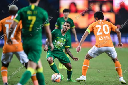 Jonathan Viera Ramos (2nd R) of Beijing Guoan competes during the 9th round match between Wuhan Zall and Beijing Guoan at the postponed 2020 season Chinese Football Association Super League (CSL) Suzhou Division in Suzhou, east China's Jiangsu Province, Sept. 6, 2020.