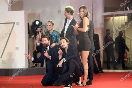 Stock Picture of Quentin Dupieux, Coralie Russier, Elvis Romeo, Adele Exarchopoulos, David Marsais, Gregoire Ludig