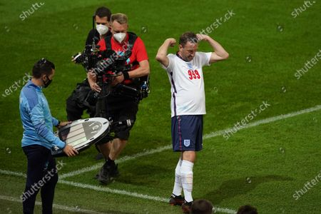 Lee Mack of England comes on during Soccer Aid for Unicef 2020 at Old Trafford, Manchester.For further information, please contact Head of Communications Niall Malone niall@socceraidproductions.com© Unicef/SAP/(THOMPSON)20Photographed by Dave Thompson for Unicef UK and SAP LTD.06/09/2020