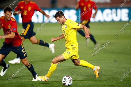 Roman Yaremchuk of Ukraine and Pau Torres of Spain in action during the Nations League football match played between Spain and Ukraine at Alfredo Di Stefano stadium on september 06, 2020 in Valdebebas, Madrid, Spain.