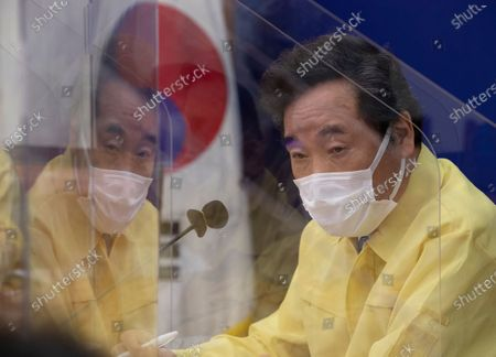 Ruling Democratic Party chairman Lee Nak-yon speaks at a gathering in Seoul, South Korea, to formulate plans to overcome the ongoing COVID-19 pandemic, 08 September 2020.