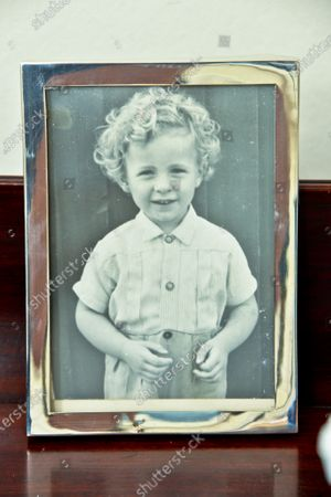Jack Straw 'My Haven'- kitchen/dining room of his SE London Home  22.7.2019  1.A photograph of Jack aged four. 2.A rose bowl he received when he became honorary vice-president of Blackburn Rovers FC.3. A silver salver. It was presented to him in 2000 by the Board of Deputies of British Jews for getting the Holocaust Memorial Day (UK) off the ground. 4.His four ministerial red boxes 5.A political cartoon. 6.Photo of Jack with his mum, then aged 86, when he was sworn in as Lord Chancellor .7. Vase from Iran 8. Family Photo with Alice & Children William & Charlotte in 1983 9. Silver Salver from the MET Police 10. Copper Souffle bowl & Whisk 11. Tool Box