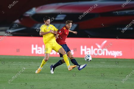 (L-R) Roman Yaremchuk (UKR), Pau Torres (ESP) - Football / Soccer : UEFA Nations League group stage for final tournament Group A4 Matchday 2 between Spain 4-0 Ukraine at the Estadio Alfredo Di Stefano in Madrid, Spain.