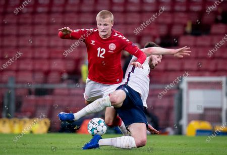 Danmark's Kasper Dolberg (L) and England's Declan Rice in action during the UEFA Nations League soccer match between Denmark and England at Parken Stadium in Copenhagen, Denmark, 08 September 2020.
