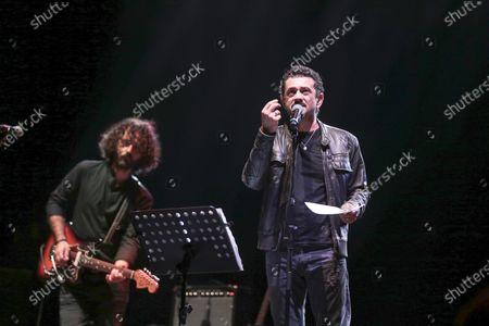 Stock Image of The Muro del Canto in concert at the Cavea of the Parco della Musica with the participation of Vinicio Marchioni. Daniele Coccia Paifelman on vocals.