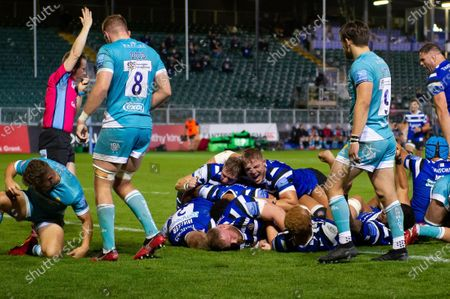 Jack Walker of Bath Rugby scores a try in the first half