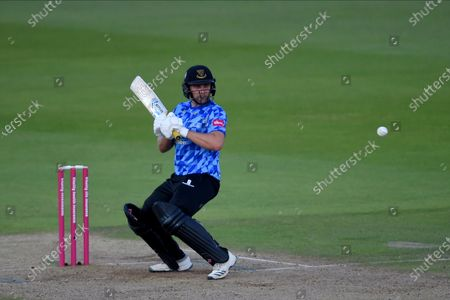 Luke Wright of Sussex Sharks prepares to play a uppercut shot