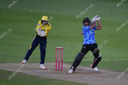 Ravi Bopara of Sussex Sharks batting