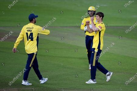 Calvin Harrison, James Vince and Lewis McManus of Hampshire celebrates the wicket of Ravi Bopara