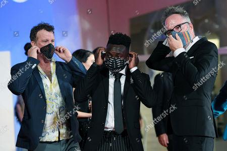 Thomas Jane, Olly Sholotan, Joel Michaely, Kyle Rankin with protective masks