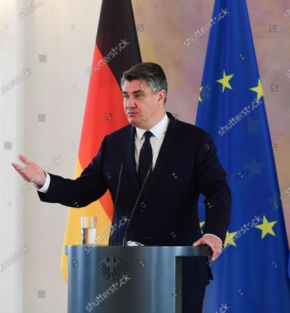 epa08660963 Croatian President Zoran Milanovic speaks during a press conference with German President Frank-Walter Steinmeier (unseen) at Bellevue Palace in Berlin, Germany, 11 September 2020. Croatian President Zoran Milanovic is on a one-day state visit to Germany.