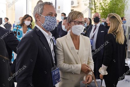 Stock Picture of Italian journalists Enrico Mentana (L) and Milena Gabbanelli (R) during the presentation of the 2019 Blue Book at the Customs and Monopolies Agency, Rome, Italy, 11 September 2020.