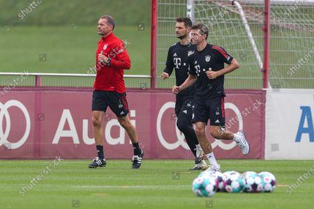 Dr. Holger Broich (FC Bayern Muenchen), Sven Ulreich #26 (FC Bayern Muenchen), Thomas Muller #25 (FC Bayern Muenchen)