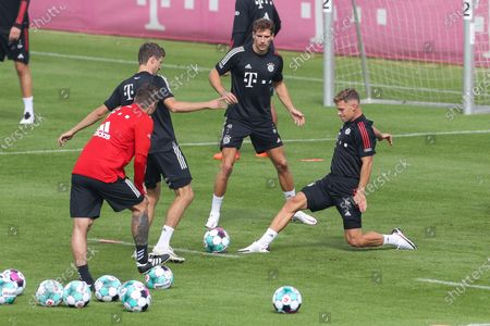 Thomas Muller #25 (FC Bayern Muenchen), Leon Goretzka #18 (FC Bayern Muenchen), Joshua Kimmich #32 (FC Bayern Muenchen)