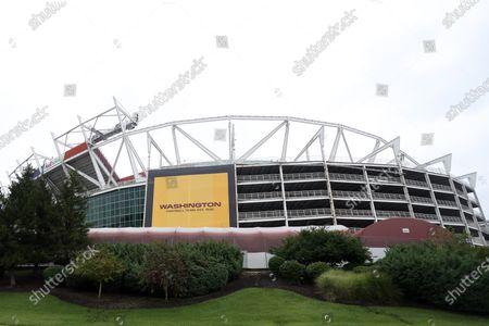 Redactionele foto van Washington Football replaces signage, Prince George's County, USA - 11 Sep 2020