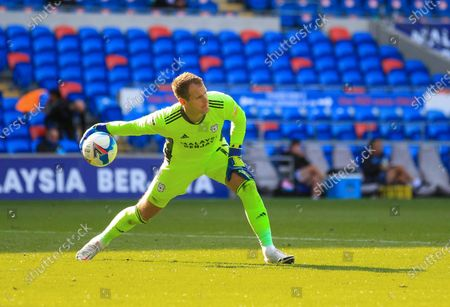 Alex Smithies of Cardiff City rolls the ball out; Cardiff City Stadium, Cardiff, Glamorgan, Wales; English Championship Football, Cardiff City versus Sheffield Wednesday.