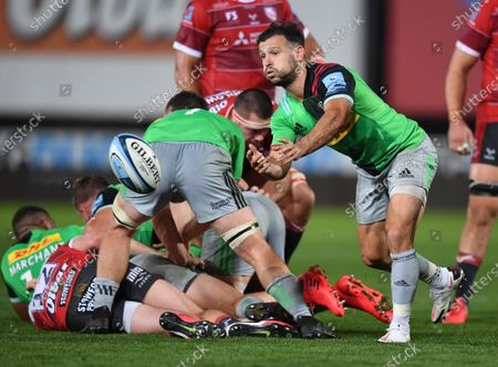 Danny Care of Harlequins passes from the base of the scrum; Kingsholm Stadium, Gloucester, Gloucestershire, England; English Premiership Rugby, Gloucester versus Harlequins.