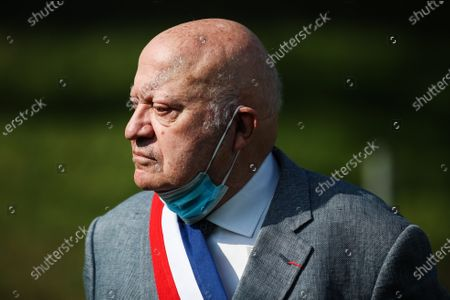 Andre Santini, mayor of Issy les Moulineaux, attends the inauguration of the restored Face Tower in Issy-les-Moulineaux, near Paris, France, 12 September 2020. The Face Tower built between 1986 and 1988 by French sculptor Jean Dubuffet in the Parc de l'Ile Saint-Germain marks the entrance to the valley of Hauts-de-Seine culture.