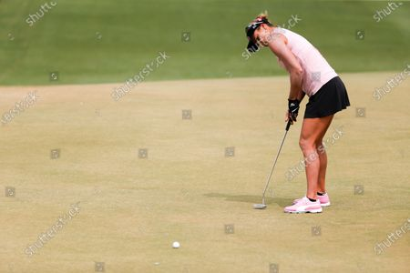Lexi Thompson watches her shot on the 10th hole during the third round of the LPGA's ANA Inspiration golf tournament at Mission Hills Country Club in Rancho Mirage, Calif