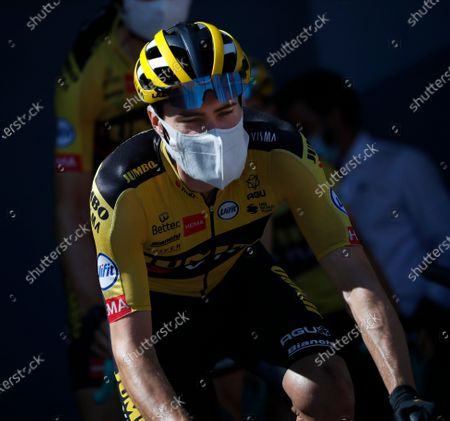 Netherland's Tom Dumoulin arrives for the start of stage 15 of the Tour de France cycling race over 174.5 kilometers (108.4 miles) from Lyon to Grand Colombier pass, France